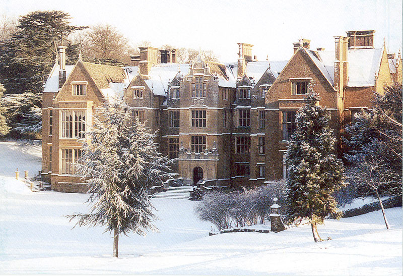 Wroxton Abbey in Snow